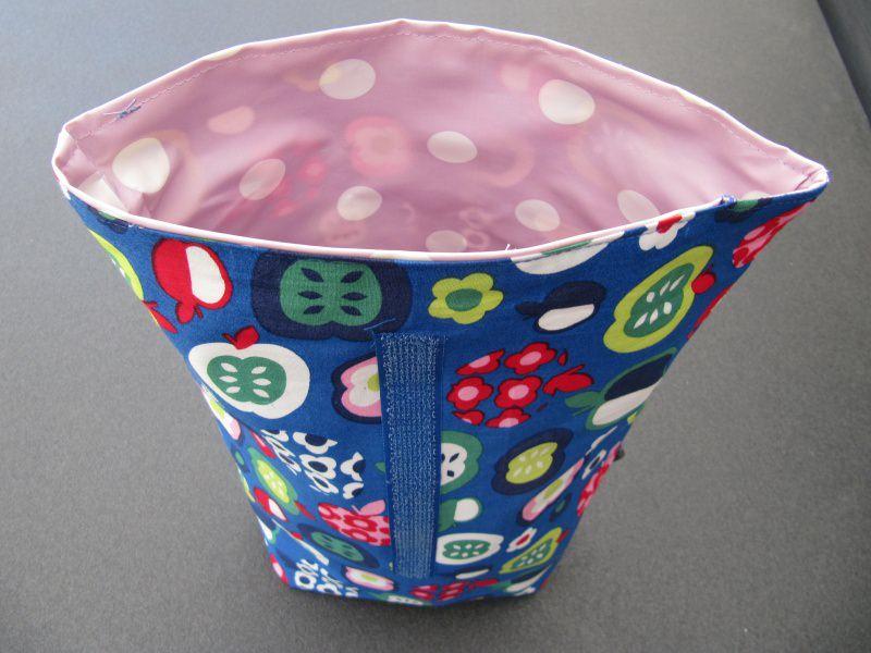 Kleinesbild - Lunchbag - Rolltasche - Kulturtasche ,bunte Äpfel