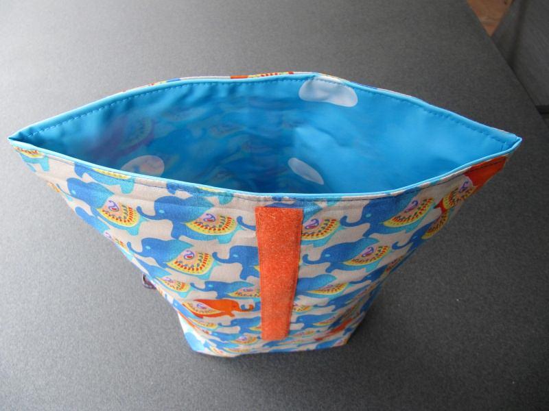 Kleinesbild - Lunchbag - Rolltasche - Kulturtasche  ,blaue Elefanten