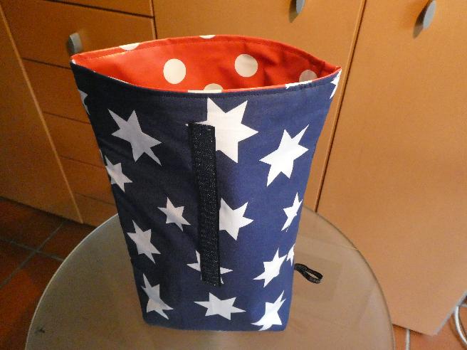 Kleinesbild - Lunchbag - Rolltasche - Kulturtasche,weiße Sterne auf dunkelblau
