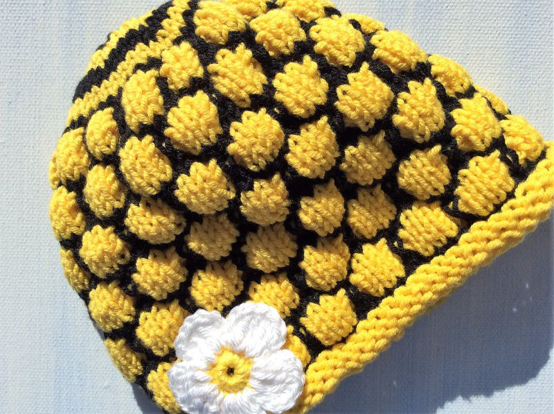 -  Babymütze * Bienen Waben * KU38 * von Hand gestrickt  -  Babymütze * Bienen Waben * KU38 * von Hand gestrickt