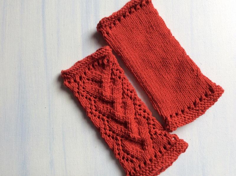 Kleinesbild - Damen Handstulpen/ Pulswärmer in * FeuerROT * von Hand gestrickt