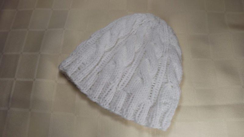 Kleinesbild - Baby-Kinder-Strickmütze-in weiss-aus 50% Baumwolle und 50% Polyacryl mit Zopfmuster Art.1264