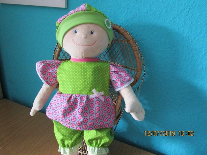 Kleinesbild - 3tlg. Puppenkleidung,  Hose, Hut, Kleid  für Puppengröße  40 -  45 cm