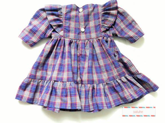 Kleinesbild - Puppenkleid kariert mit Rüsche an den Armansätzen für eine Größe von 30 bis 35 cm