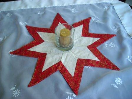 -  SALE-Weihnachtsstern in rot-weißen Farben mit aufwendiger Patchworktechnik, Weihnachtsdeko -  SALE-Weihnachtsstern in rot-weißen Farben mit aufwendiger Patchworktechnik, Weihnachtsdeko