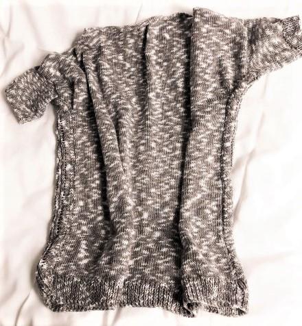 Kleinesbild - Strickpulli für Damen in Größe 42-44, handgestrickt, kurzärmelig, meliert