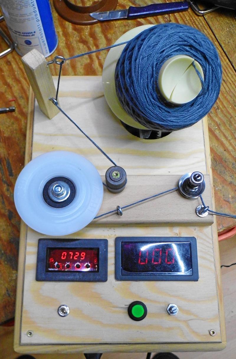 Kleinesbild - Elektrischer Wollwickler  Kreuzwickler geregelt, bis 8 Fäden ca. 150 g