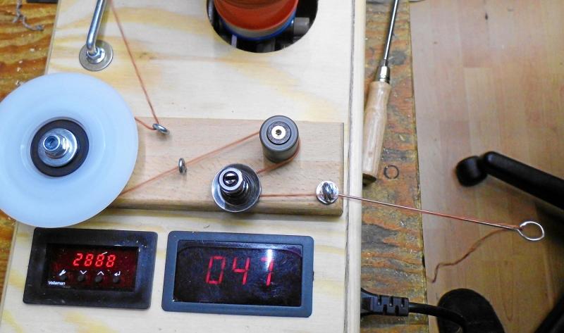 Kleinesbild - Elektrischer Wollwickler  Kreuzwickler, geregelt, bis 8 Fäden ca. 200g