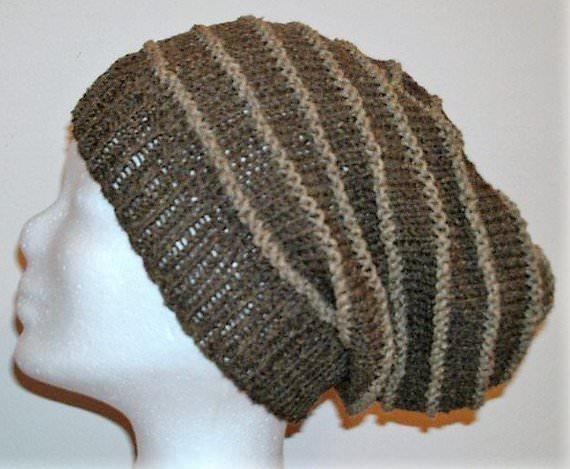 - Handgestrickte Mütze - Beanie, in braun mit 30% Seide  - Handgestrickte Mütze - Beanie, in braun mit 30% Seide