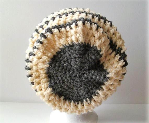 Kleinesbild - Gehäkelte Mütze - Beanie in natur und grau gestreift