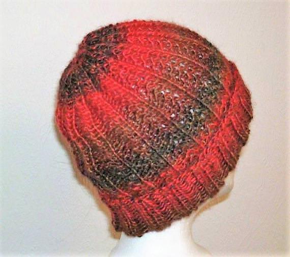 - Handgestrickte Mütze - Beanie in rot braun Tönen - Handgestrickte Mütze - Beanie in rot braun Tönen