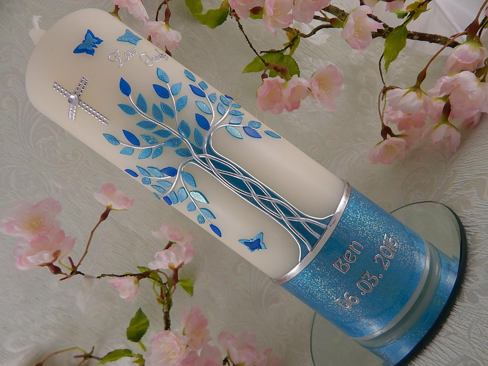 Kleinesbild - Taufkerze Kommunionkerze Lebenbaum blau silber Junge mit Name und Datum
