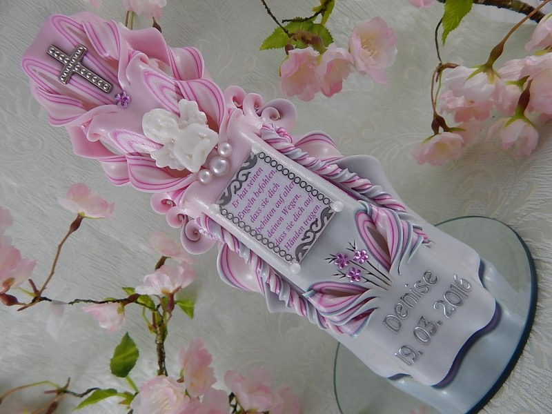 Kleinesbild - Taufkerze Kommunionkerze Hand geschnitzt für Mädchen mit Taufspruch
