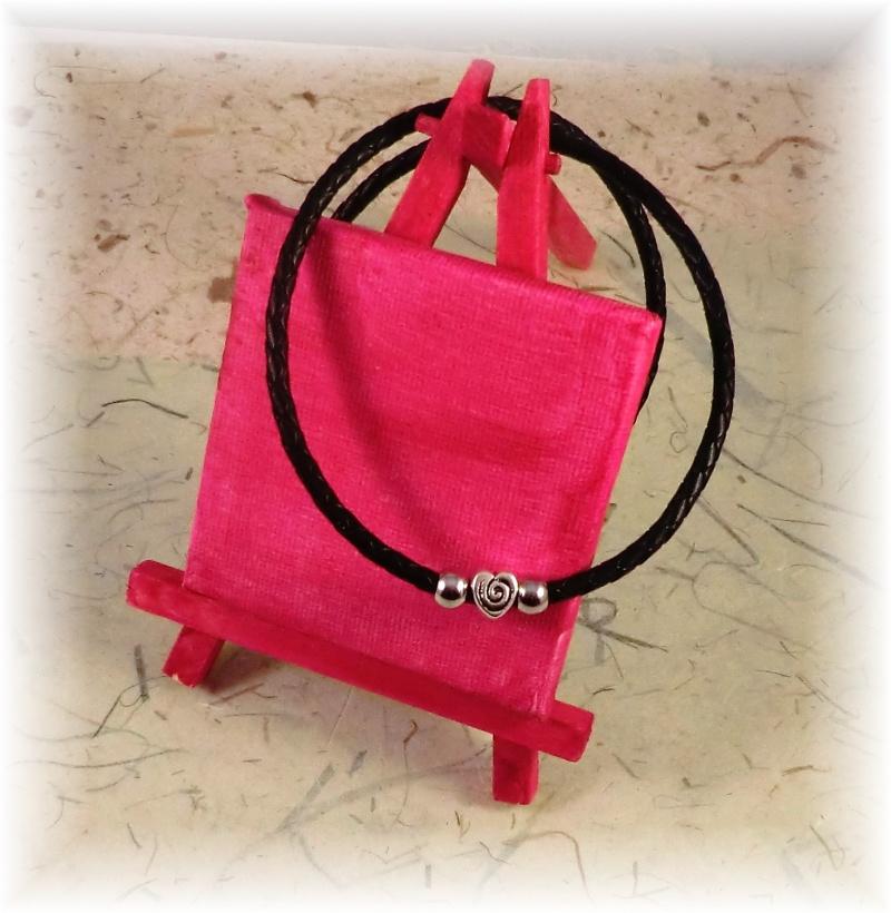 Kleinesbild - *Valentinstagsrabatt* #Sanna# Damen  Designerkette aus Leder mit Herz-Anhänger und Edelstahlperlen