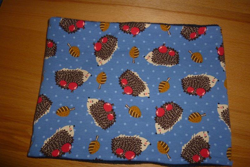 Kleinesbild - Kinderloop ~ kuscheliger Schlauchschal mit Igeln in blau kaufen ~ Halssocke ~ aus Jersey + Fleece genäht ~ Schlupfschal