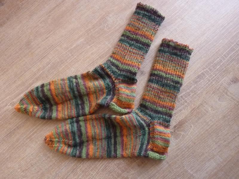 - Socken ~ Strümpfe handgestrickt aus Schurwolle kaufen in grün - orange ~ Kuschelsocken ~ warme Füße - Socken ~ Strümpfe handgestrickt aus Schurwolle kaufen in grün - orange ~ Kuschelsocken ~ warme Füße