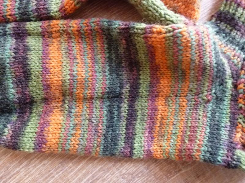 Kleinesbild - Socken ~ Strümpfe handgestrickt aus Schurwolle kaufen in grün - orange ~ Kuschelsocken ~ warme Füße