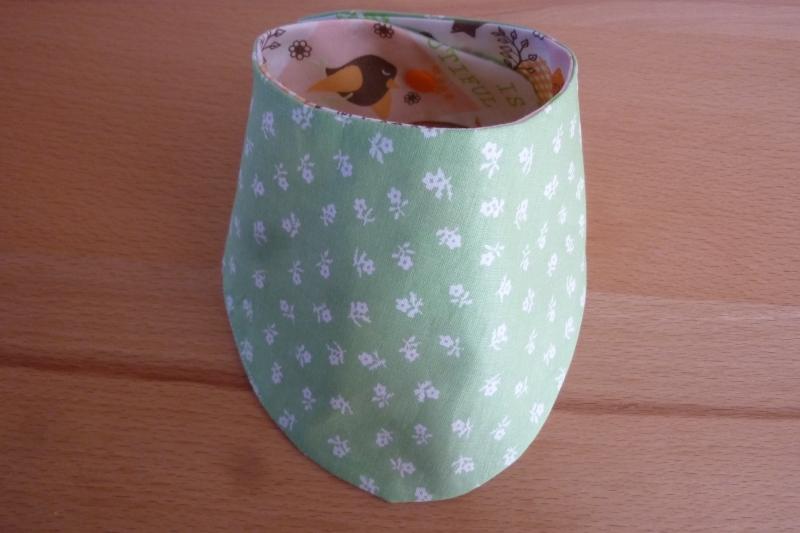 Kleinesbild - Wendehalstuch aus Baumwollstoffen mit Vögeln  orange - weiß - grün genäht kaufen ~*~ mit Druckknopf ~ romantisch