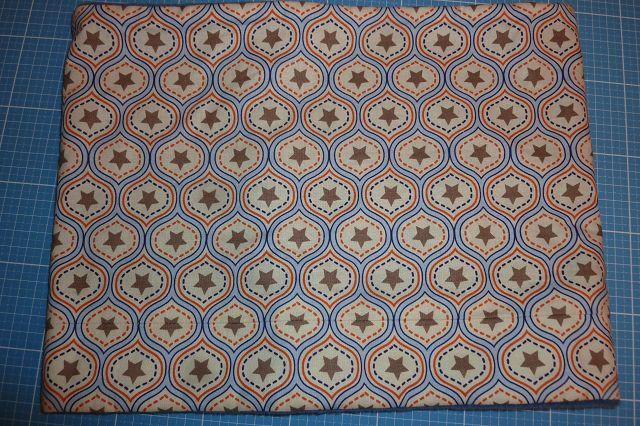 Kleinesbild - Genähter Schlauchschal aus Baumwollstoff mit Sternen und Fleece, schön kuschelig in beige - blau kaufen