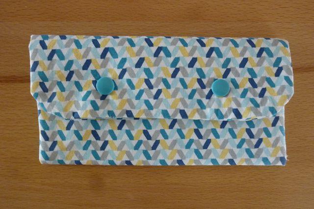 - Täschchen bzw. kleines Portemonnaie aus Baumwollstoff mit blaugelbem Muster genäht kaufen   - Täschchen bzw. kleines Portemonnaie aus Baumwollstoff mit blaugelbem Muster genäht kaufen