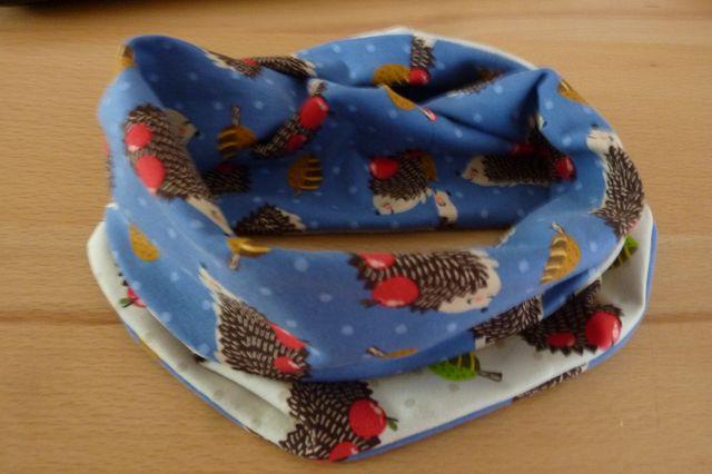 Kleinesbild - Kinderloop ~ Schlauchschal mit Igeln  aus Baumwolljersey genäht kaufen~ Halssocke ~ Schlupfschal