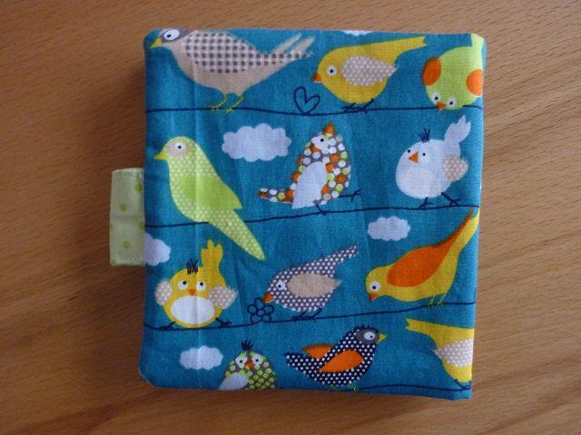 Kleinesbild - Genähte Minibuchhülle, bzw. -tasche aus Baumwollstoff mit Vogelmotiven kaufen ~~ Buchhülle für Minibücher~~ zum Mitnehmen für Unterwegs