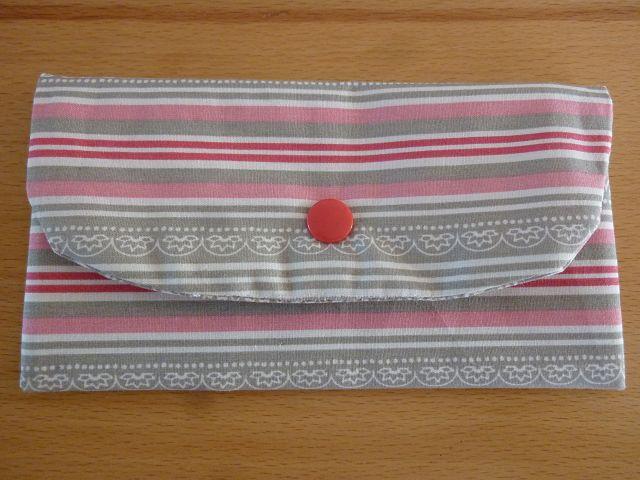 - Täschchen bzw. kleines Portemonnaie aus Baumwollstoff in hellgrau und rosa mit Streifenmuster genäht kaufen   - Täschchen bzw. kleines Portemonnaie aus Baumwollstoff in hellgrau und rosa mit Streifenmuster genäht kaufen