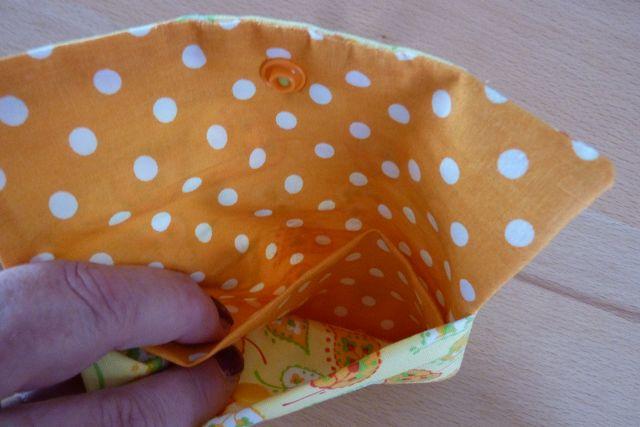 Kleinesbild - Täschchen bzw. kleines Portemonnaie aus Baumwollstoffen in gelb und orange mit Blättern und Pünktchen genäht kaufen