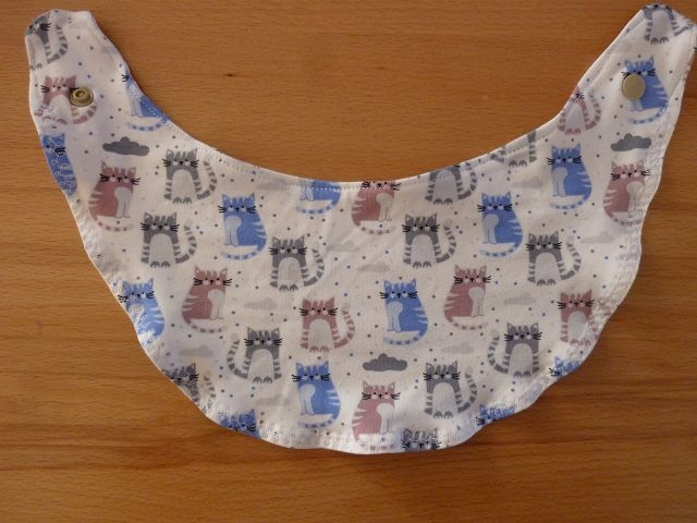- Wendehalstuch aus Baumwolljersey mit Katzen in grau - blau - altrosa genäht kaufen ~*~ mit Druckknopf ~  - Wendehalstuch aus Baumwolljersey mit Katzen in grau - blau - altrosa genäht kaufen ~*~ mit Druckknopf ~