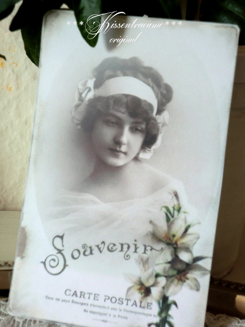 Kleinesbild - 3 schöne Postkarten / Grußkarten -Souvenir-, als 3-er Set mit romantischen Vintage Motiven