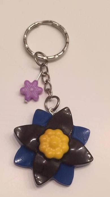 - Schlüsselanhänger Blume Blau/Gelb - Schlüsselanhänger Blume Blau/Gelb