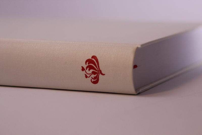 Kleinesbild - handeingebundenes Schreibbuch mit Bibliotheksleinen-Einband