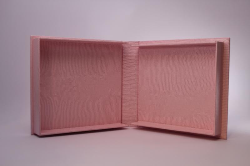 Kleinesbild - handgemachte CD-Klappkassette mit ineinandergreifenden Wänden  (Kopie id: 100053764)