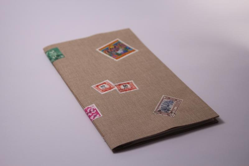 - Handgebundenes Briefmarken-Buch mit weichem Gewebe-Einband und Taschen-Seiten   - Handgebundenes Briefmarken-Buch mit weichem Gewebe-Einband und Taschen-Seiten