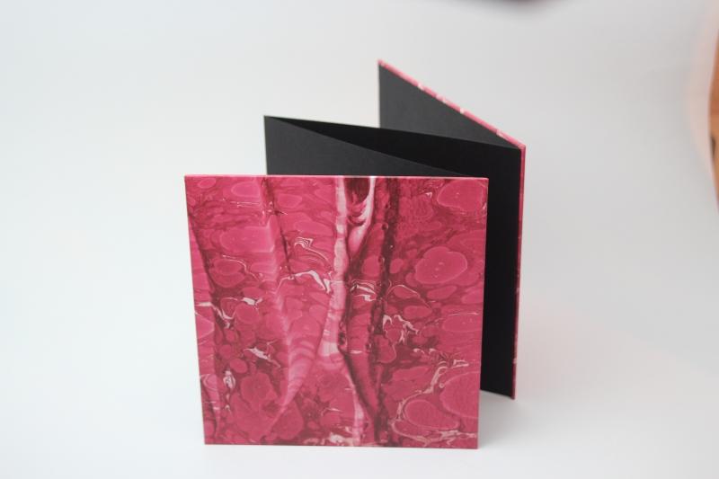 Kleinesbild - handgebundenes Leporello mit rotem Dekopapier bezogen (Kopie id: 100147977)  (Kopie id: 100147980)