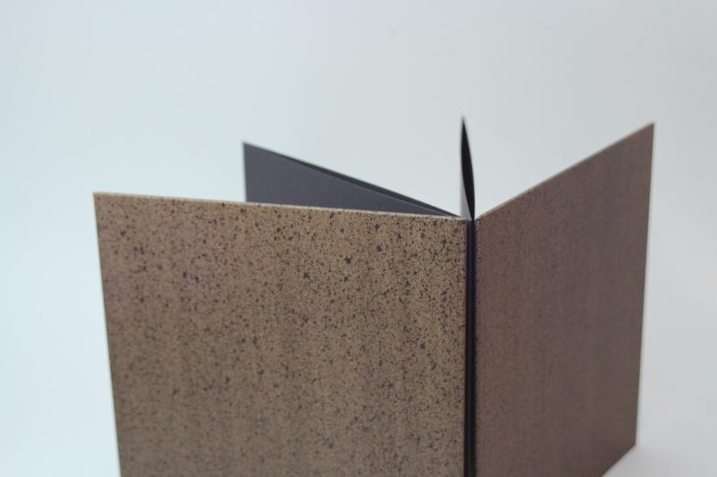 Kleinesbild - handgebundenes Leporello mit unikatem Bezugspapier