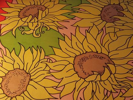 Kleinesbild - Seidentuch mit vielen verschiedenen großen gelben Sonnenblumen