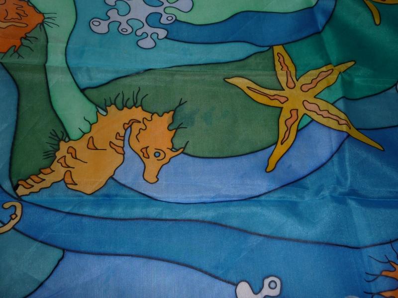 Kleinesbild - Seidentuch mit Seepferdchen und Seesternen und Korallen