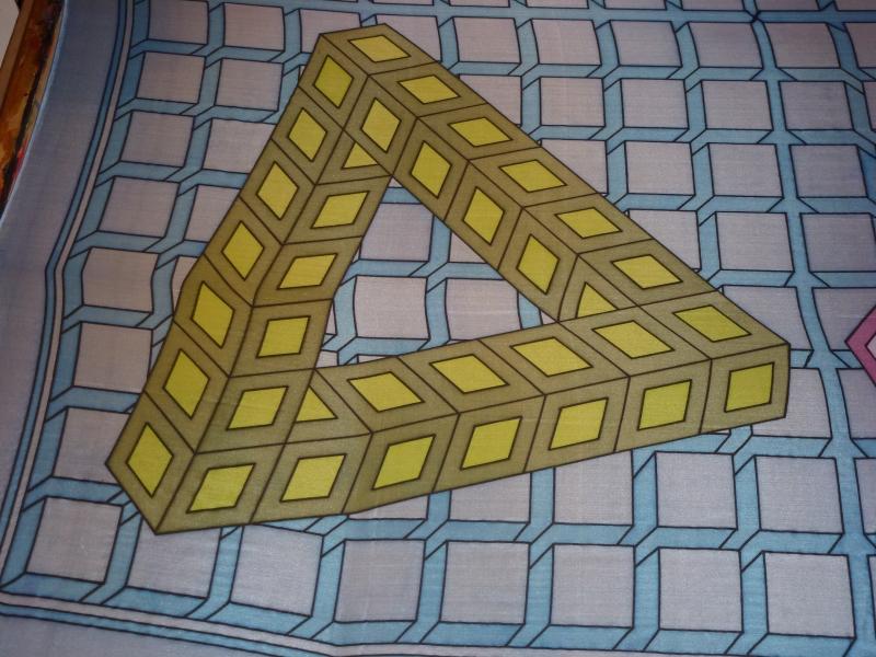 Kleinesbild - Seidentuch geometrischen 3D Muster in bunten Farben