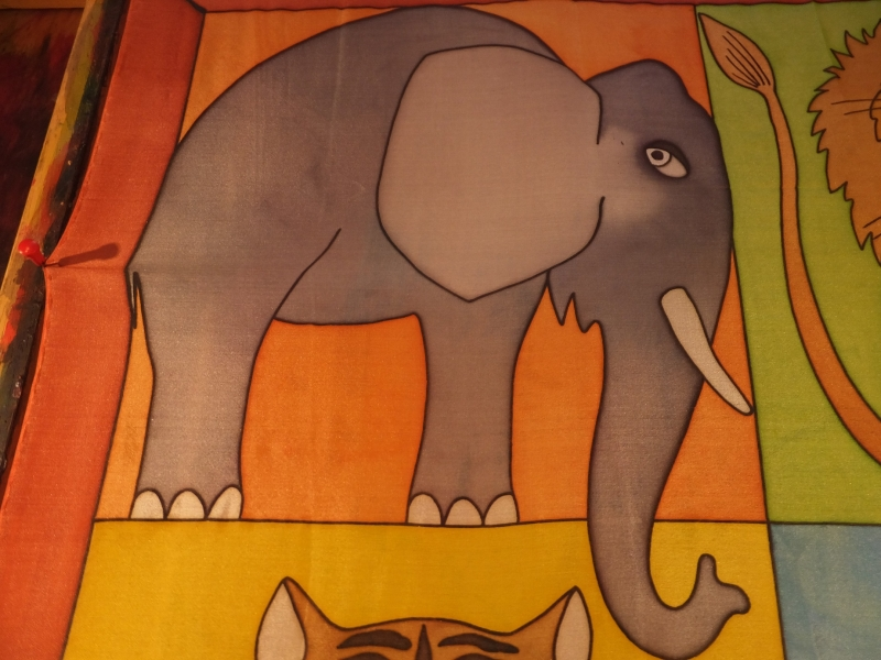 Kleinesbild - Seidentuch mit  den großen Tieren wie Elefant, Löwe, Tiger und Bär