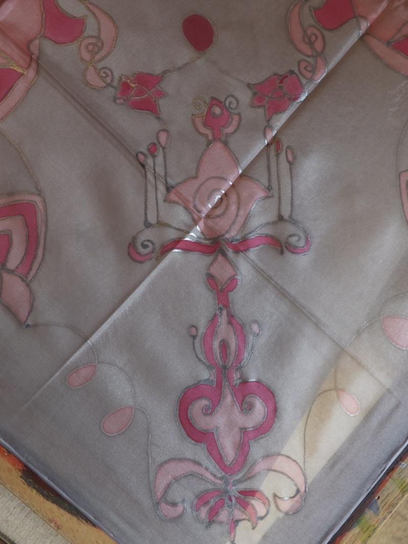 Kleinesbild - Seidentuch mit einem rosafarbenden orientalischen Muster
