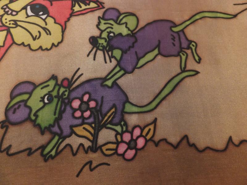 Kleinesbild - Seidentuch mit  kleinen spielenden Mäusen und Katzen