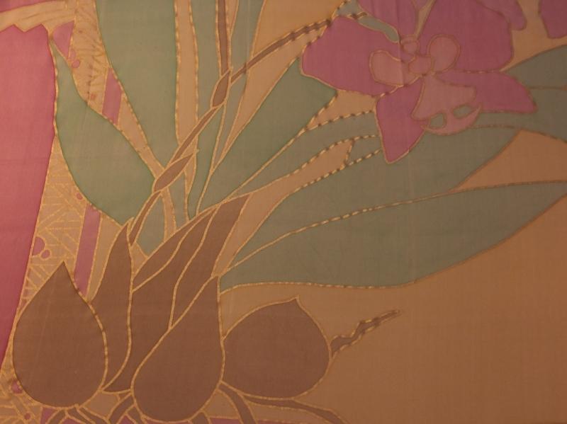 Kleinesbild - Seidentuch mit einem Zweig  rosafarbenen Schwertlilien, auch Iris genannt