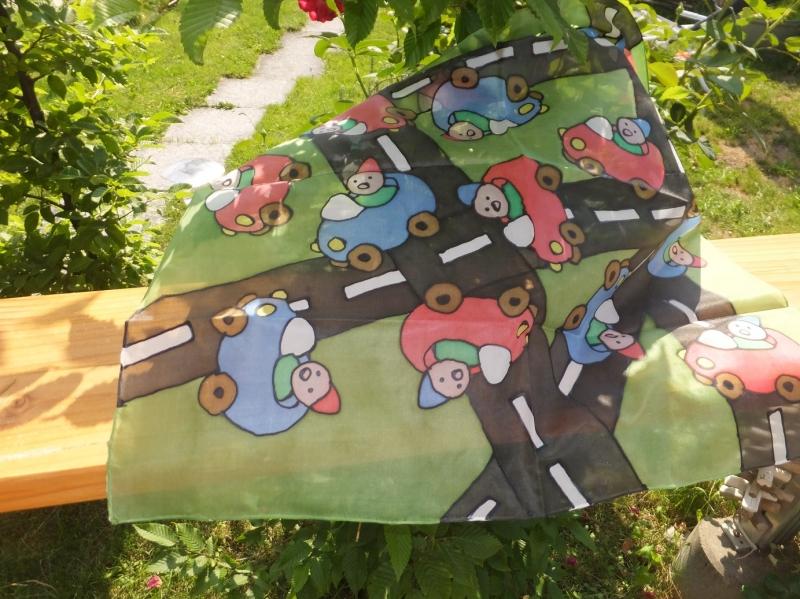 Kleinesbild - Seidentuch mit  kleinen bunten Autos auf der Straße