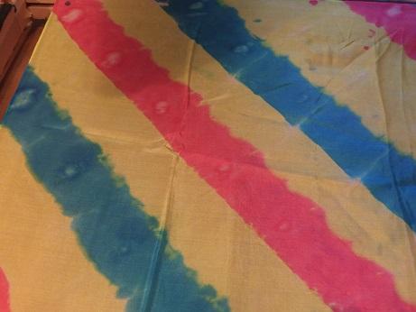 Kleinesbild - Seidentuch mit breiten diagonalen verlaufenden Streifen