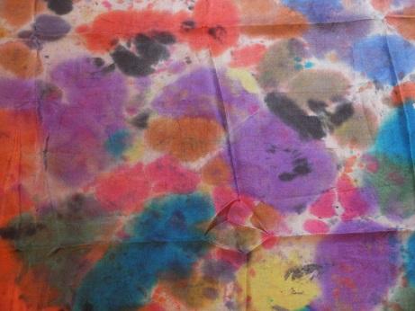 Kleinesbild - Seidentuch mit einem bunten getupften und geklecksten Mustern