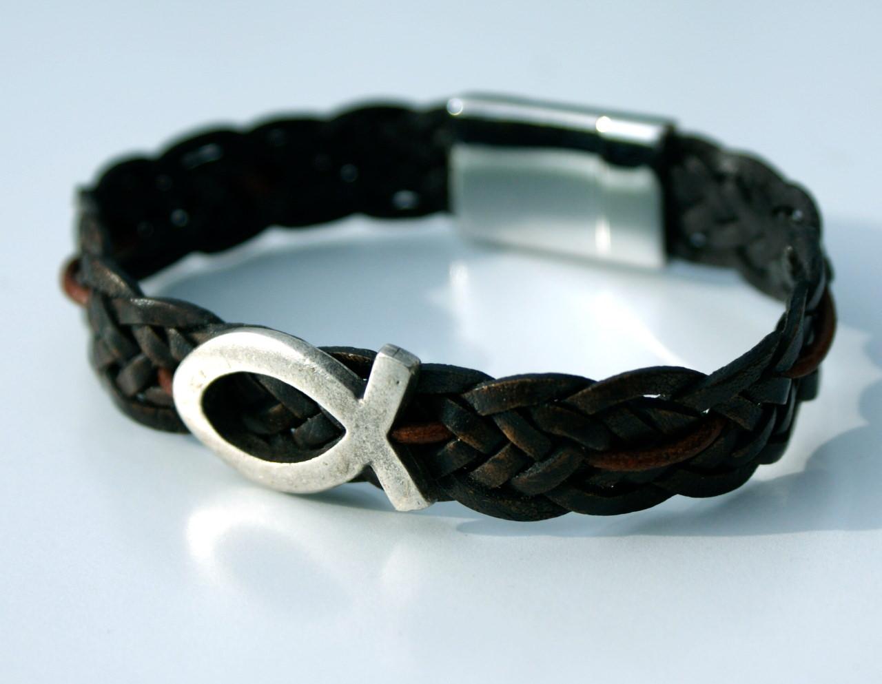 - Männer-Armband mit ICHTHYS,  Leder braun - Männer-Armband mit ICHTHYS,  Leder braun