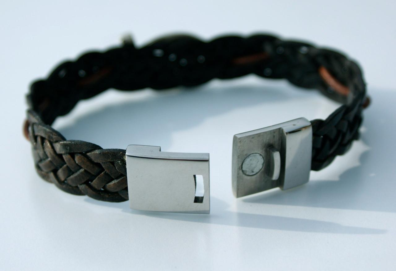 Kleinesbild - Männer-Armband mit ICHTHYS,  Leder braun