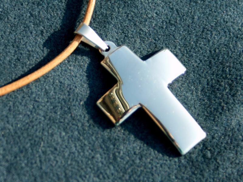 Kleinesbild - schlichtes KREUZ aus Edelstahl am Lederband Mann Frau christlich