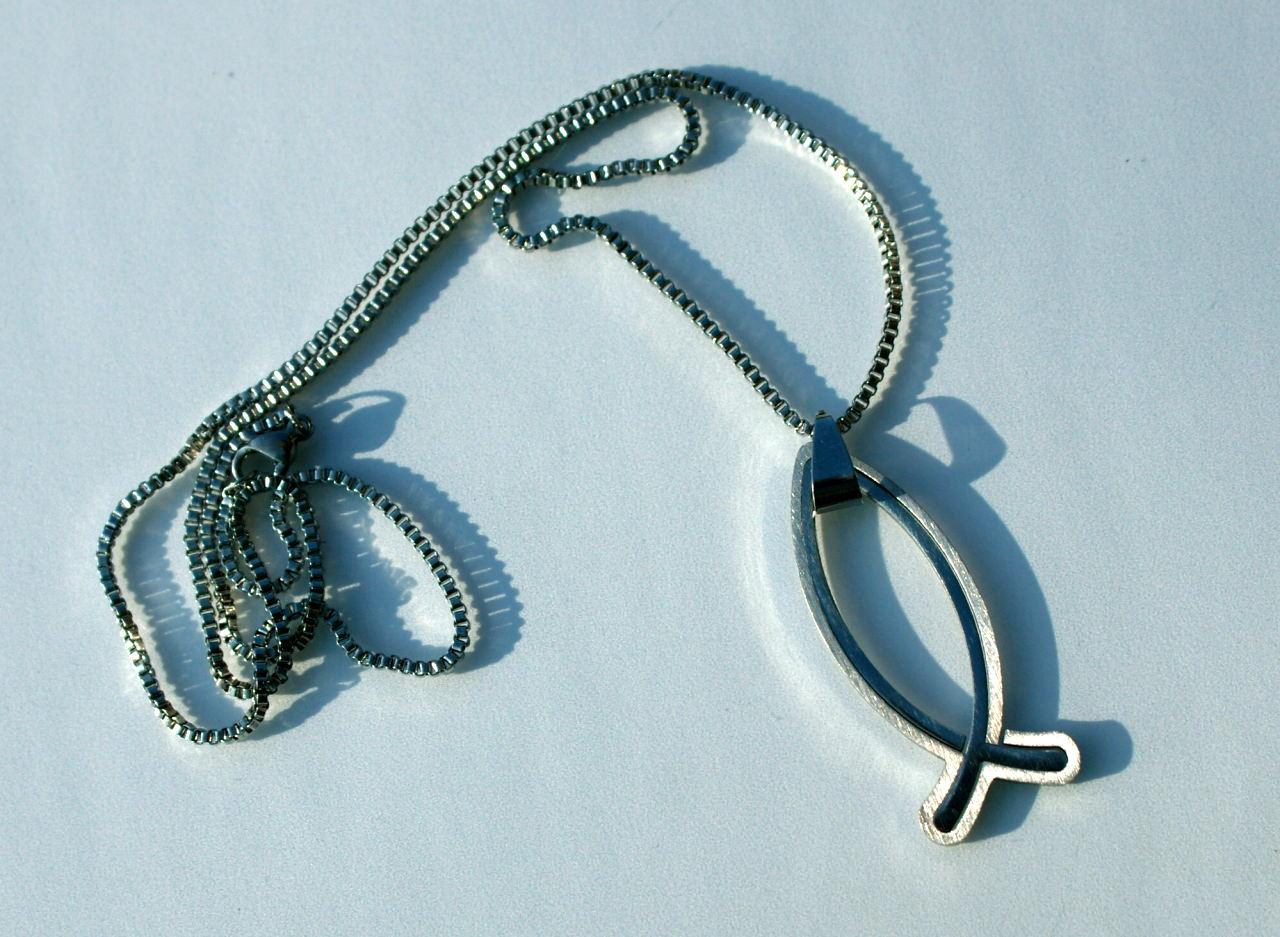 Kleinesbild - schlichter ICHTHYS mit dunkelblauem Kautschukband Edelstahl Geschenk christlich Fisch Konfirmation